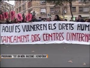 Manifestació davant el CIE de La Verneda